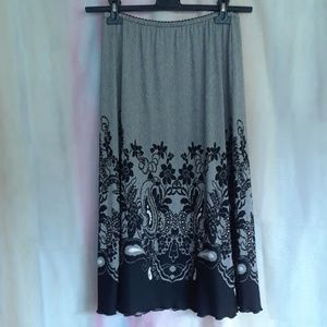 Lea Bruni Gray & Black Paisely & Flowers Skirt